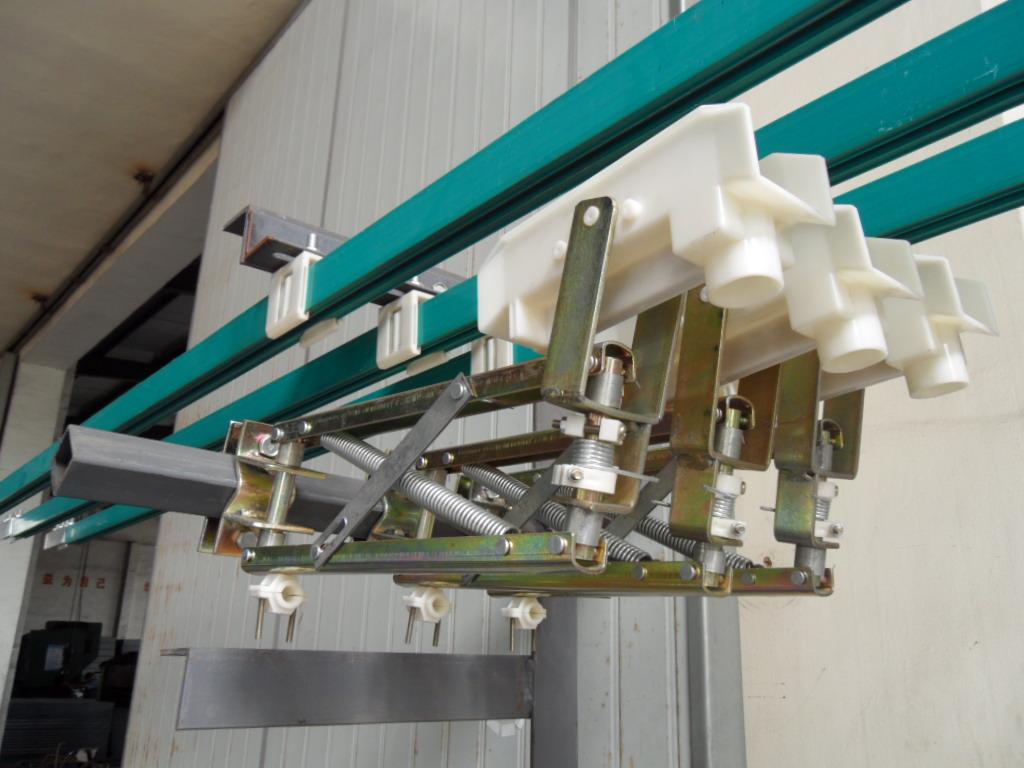 天车 行车 起重机单级组合滑触线安装示意图